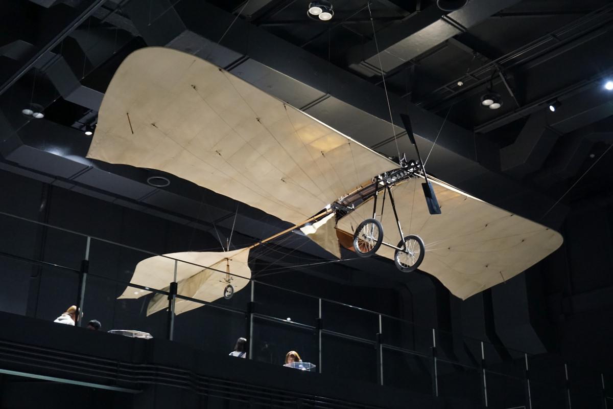 昔の実験飛行機